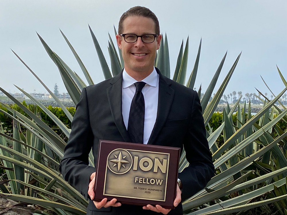 photo of todd humphreys with ion award